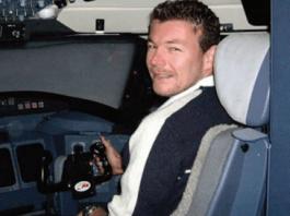 Kapitan Robert Mansell a pèrdè su bida den e aksidente.