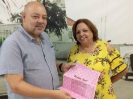 Magda Nicolaas, nietu di Noni Nicolaas, fundadó di Nicolaas Store na Aruba, a hasi un opsekio importante na Fundashon Históriko Kultural Boneriano (FuHiKuBo)