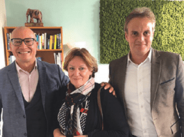 D.r.p.d. Coenraad Krijger, direktor di IUCN-, Hellen van der Wal, presidente di DCNA i Tadzio Bervoets, direktor interino di DCNA.
