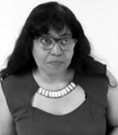 Esther Bernabela, miembro di Konseho Insular i dòkter di kas.